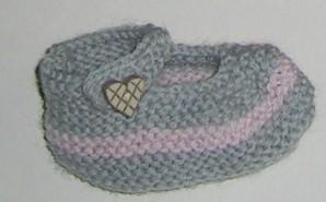 chaussons roses et gris
